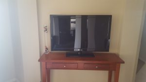 "42"" Display TV Prop"